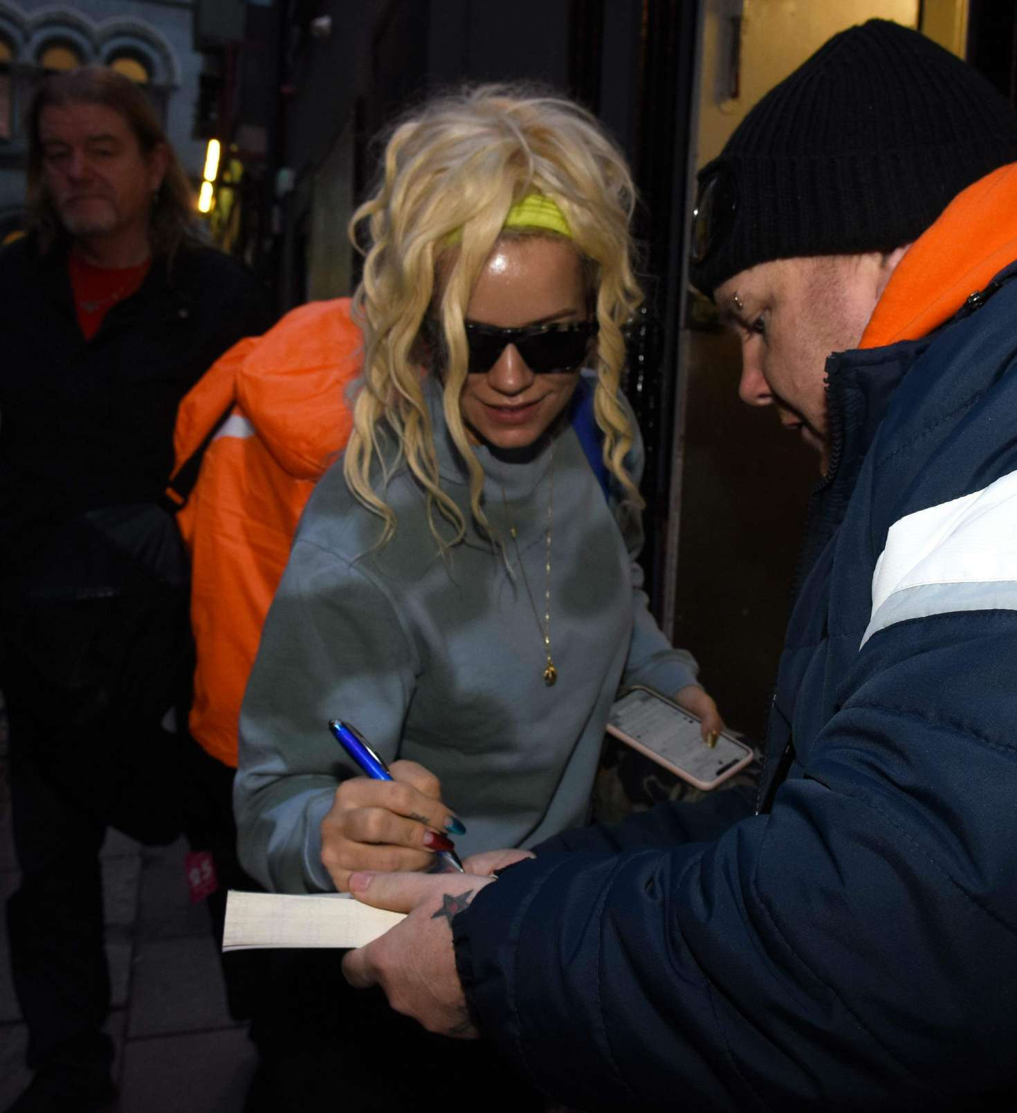 Lily Allen 2018 : Lily Allen: Arriving at The Stage Door of The Olympia Theatre -02
