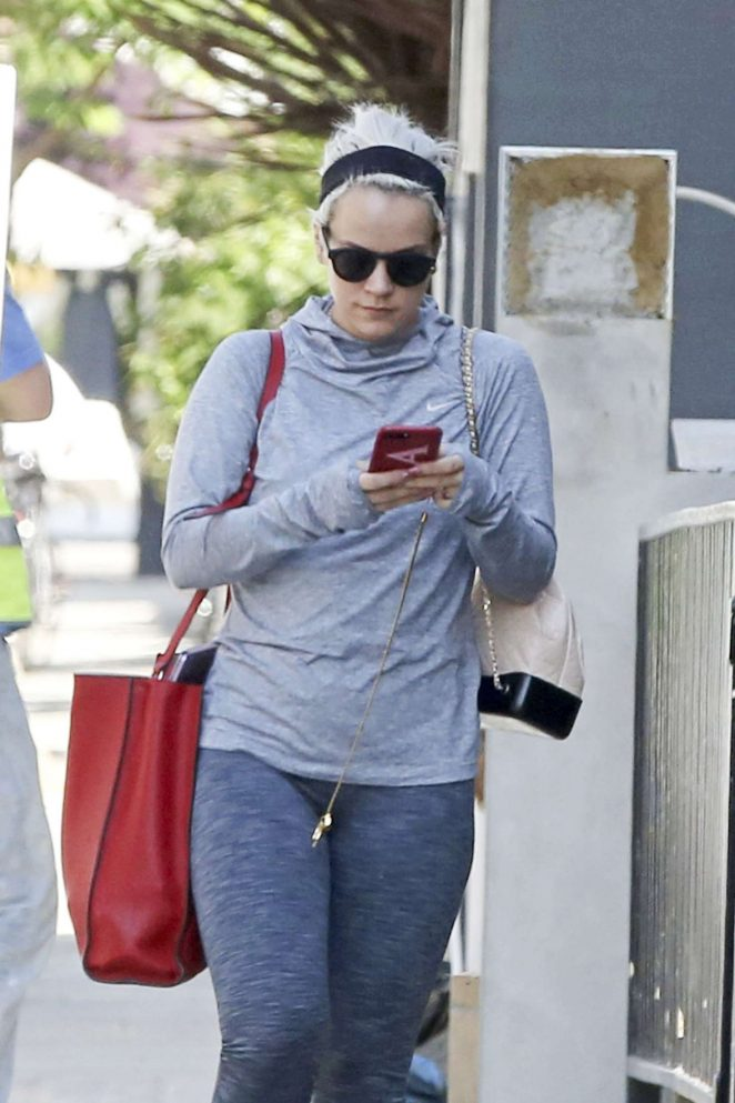Lily Allen going to her yoga class in West London