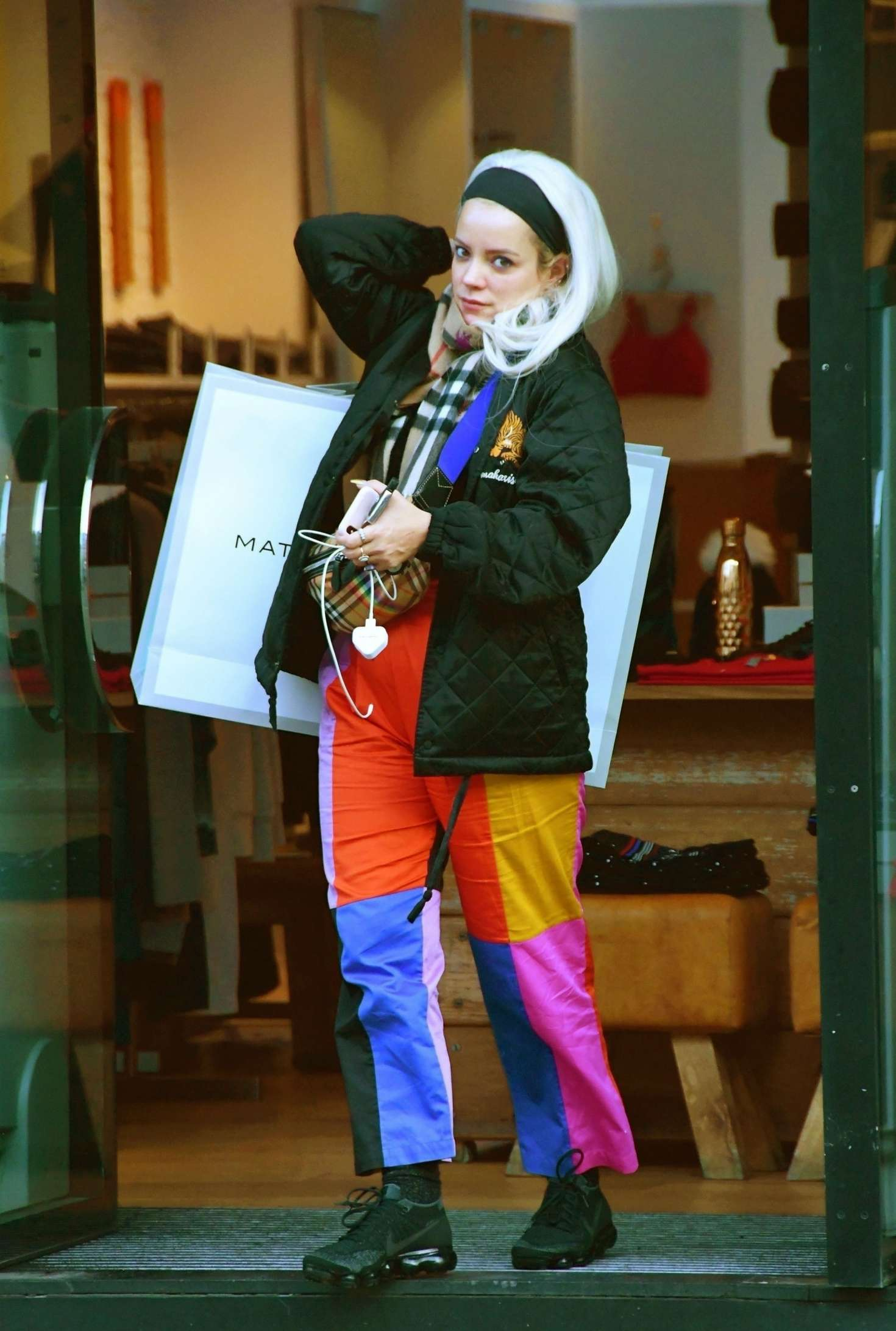 Lily Allen in Colorful Pants - Shopping in Notting Hill