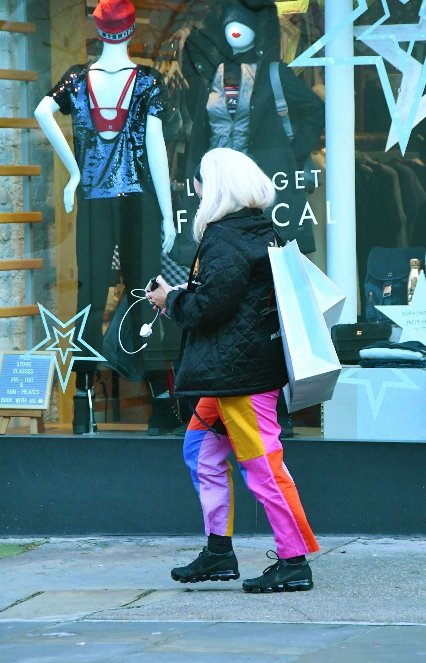 Lily Allen 2018 : Lily Allen in Colorful Pants -03