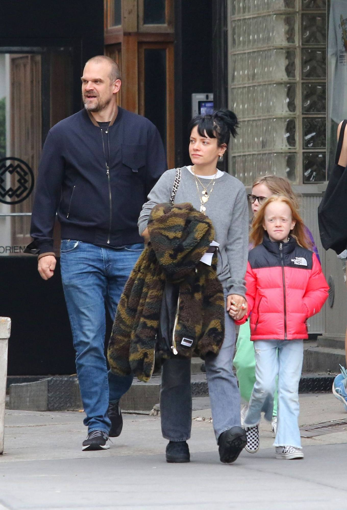 Lily Allen 2021 : Lily Allen – walk out with her family in Manhattan-06