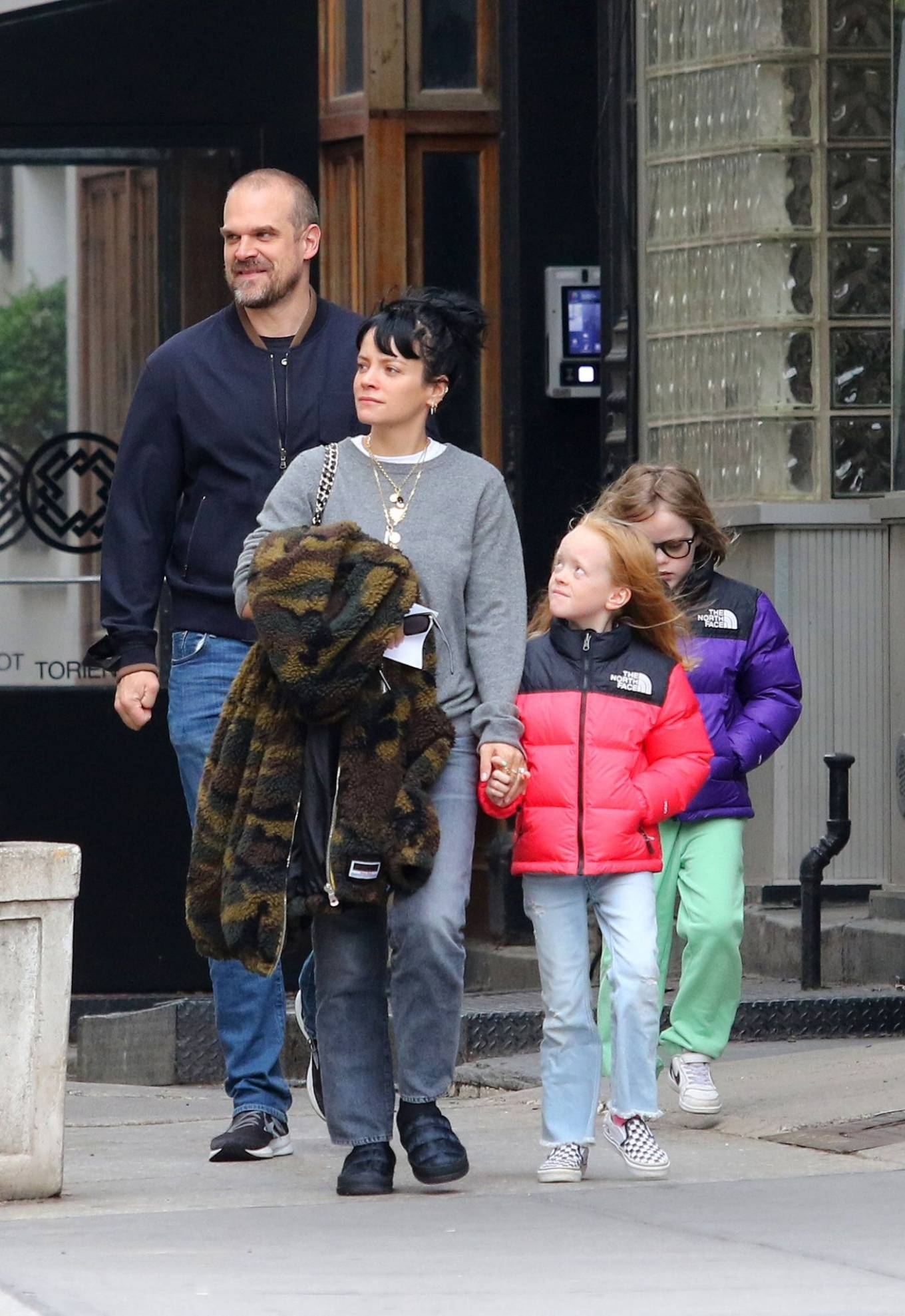 Lily Allen 2021 : Lily Allen – walk out with her family in Manhattan-12