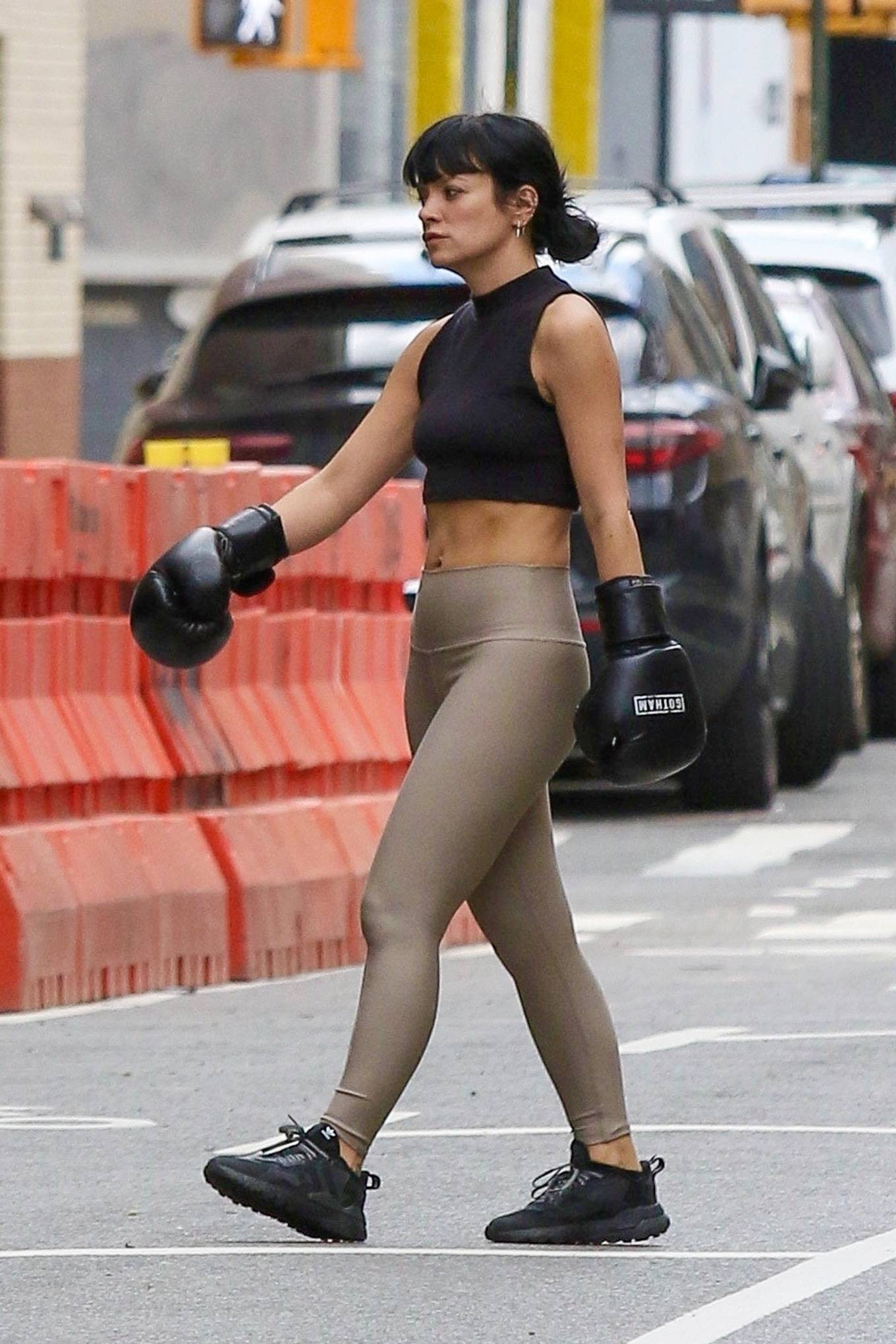 Lily Allen 2021 : Lily Allen – Wears boxing gloves while workout at a Downtown Manhattan Gym-09