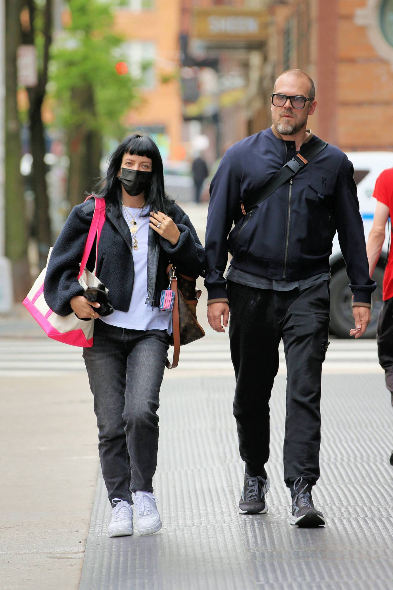 Lily Allen 2021 : Lily Allen – With David Harbour out for lunch in New York-01