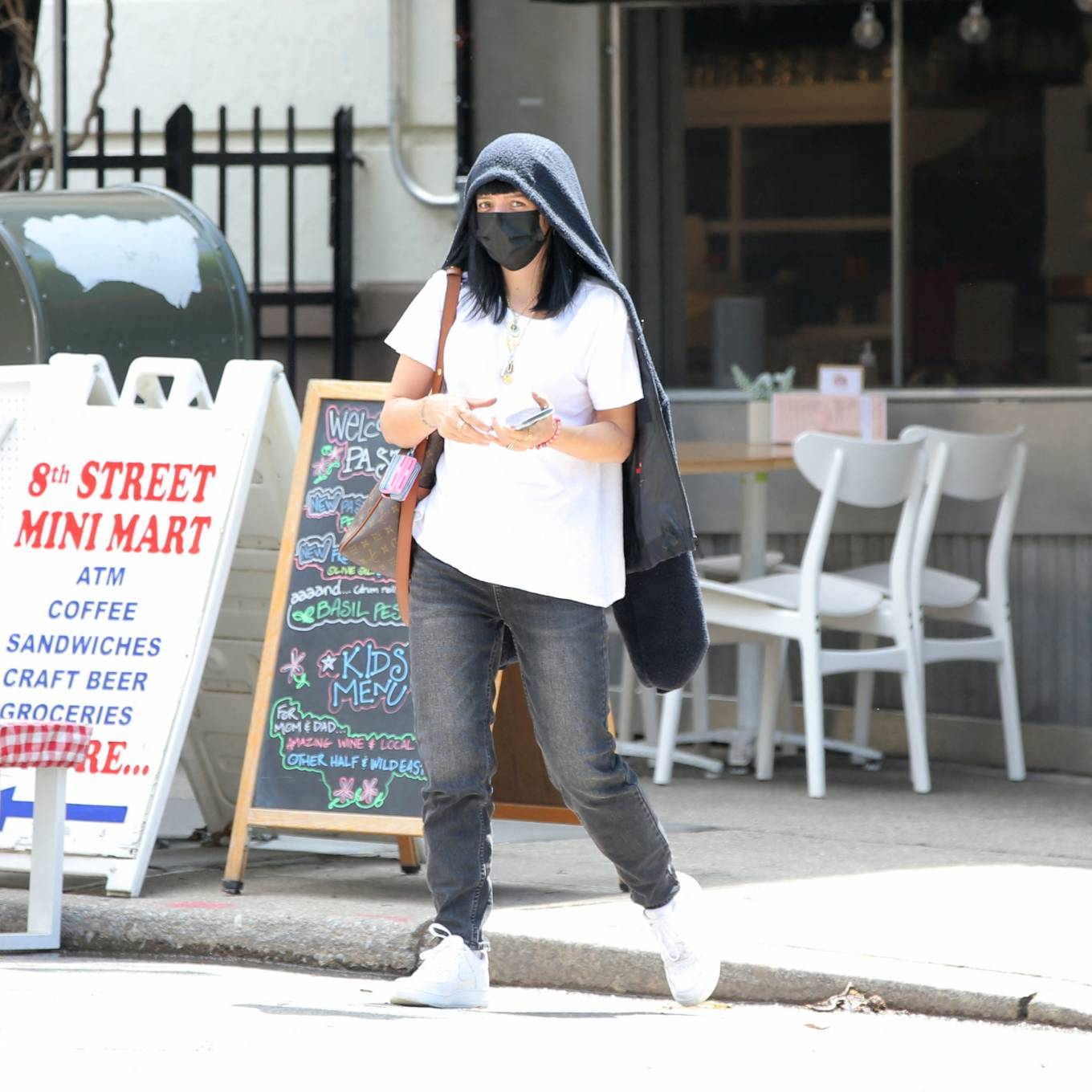 Lily Allen 2021 : Lily Allen – With David Harbour out for lunch in New York-03