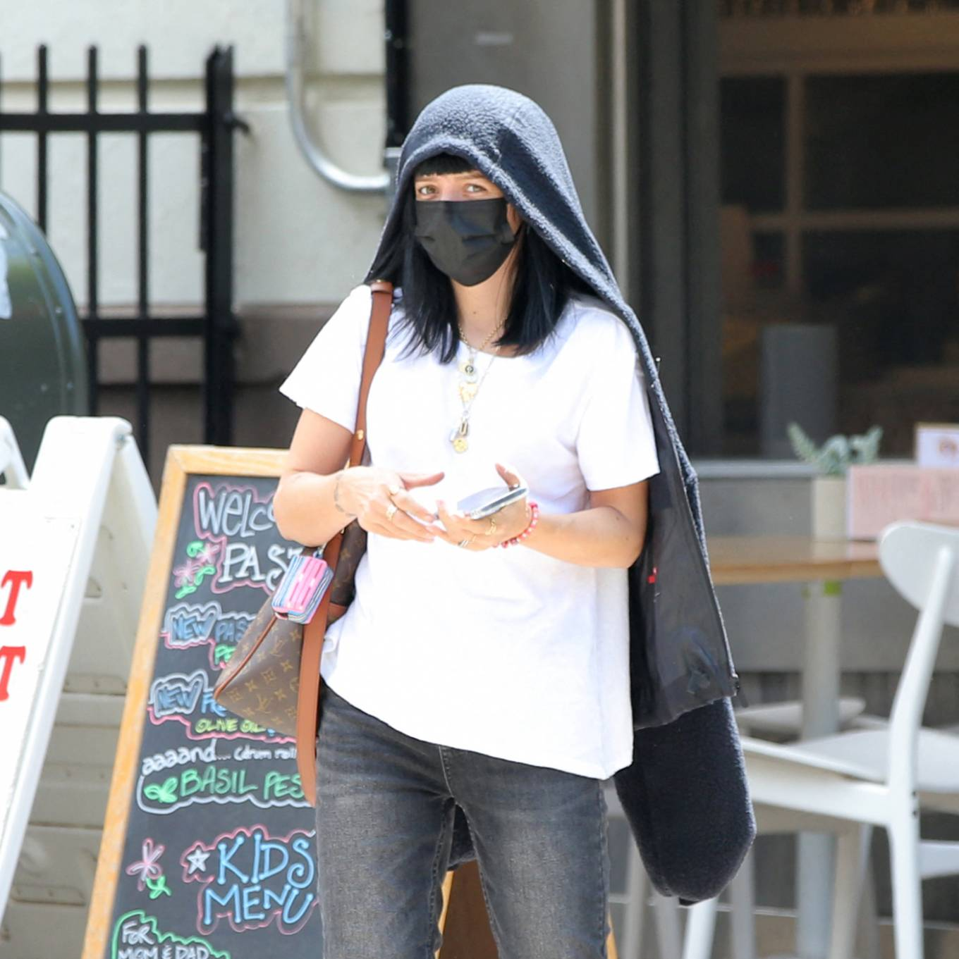 Lily Allen 2021 : Lily Allen – With David Harbour out for lunch in New York-08