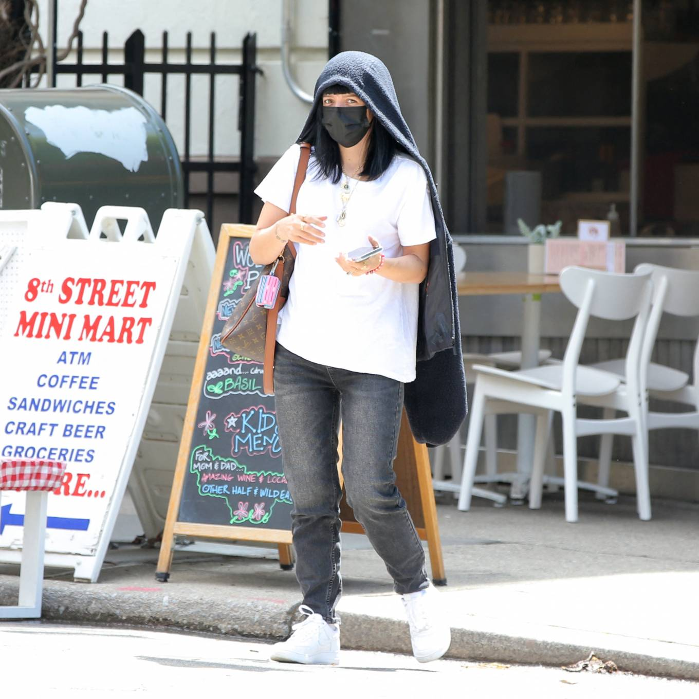 Lily Allen 2021 : Lily Allen – With David Harbour out for lunch in New York-18