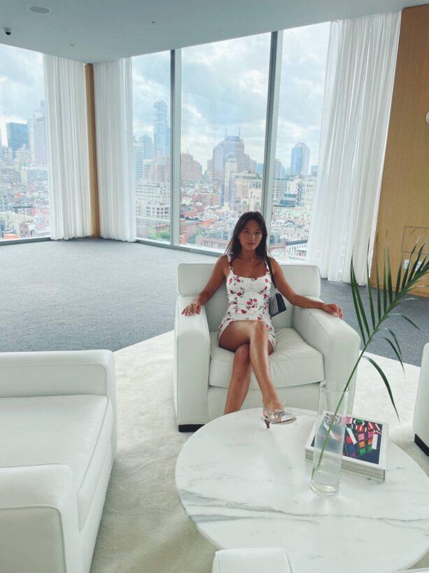 Lily Chee - Social hotos