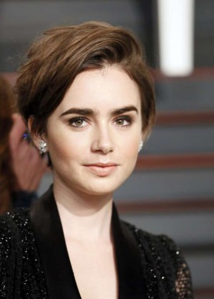 Lily Collins 2015 Vanity Fair Oscar Party In Hollywood