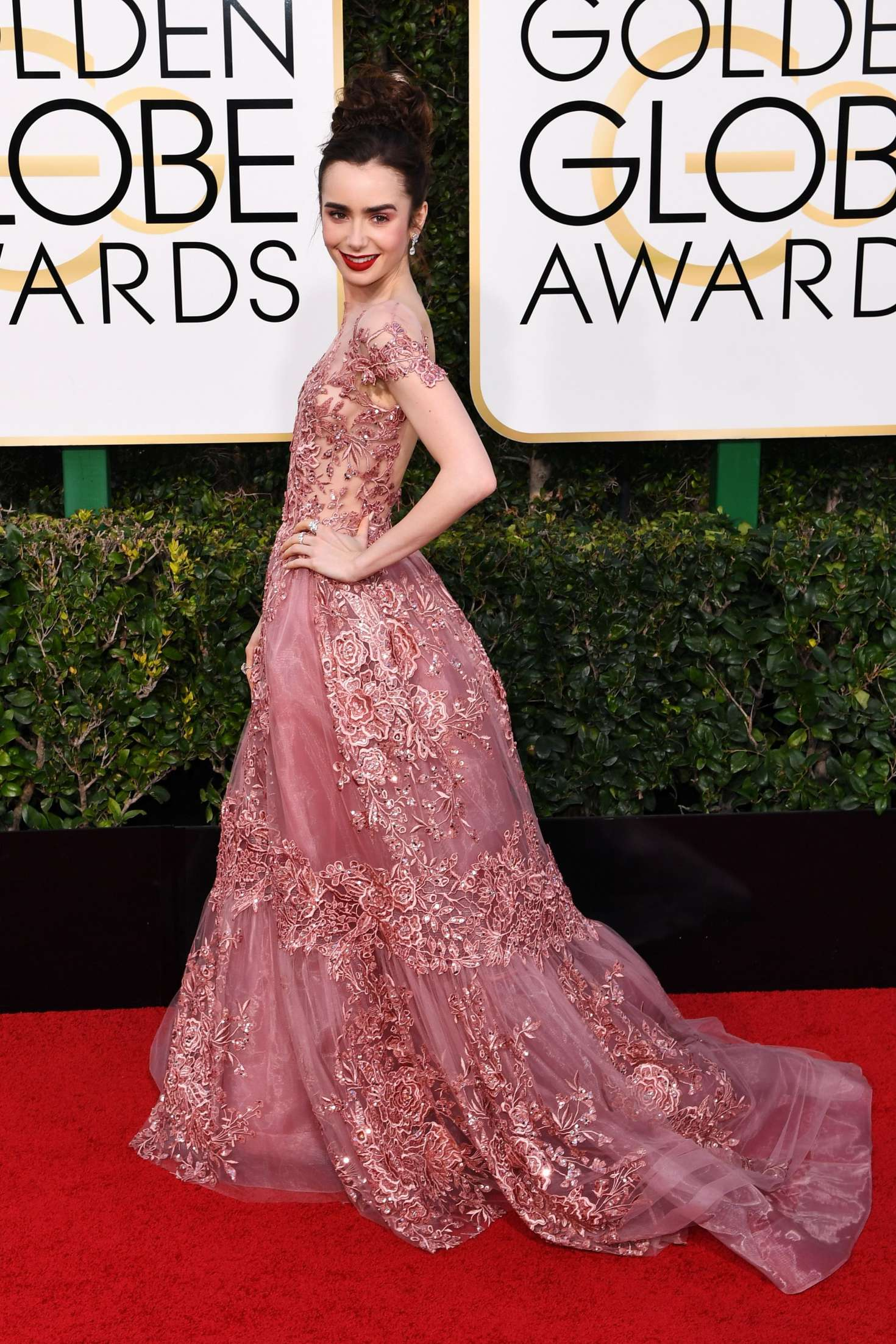 lily collins 74th annual golden globe awards 01 � gotceleb