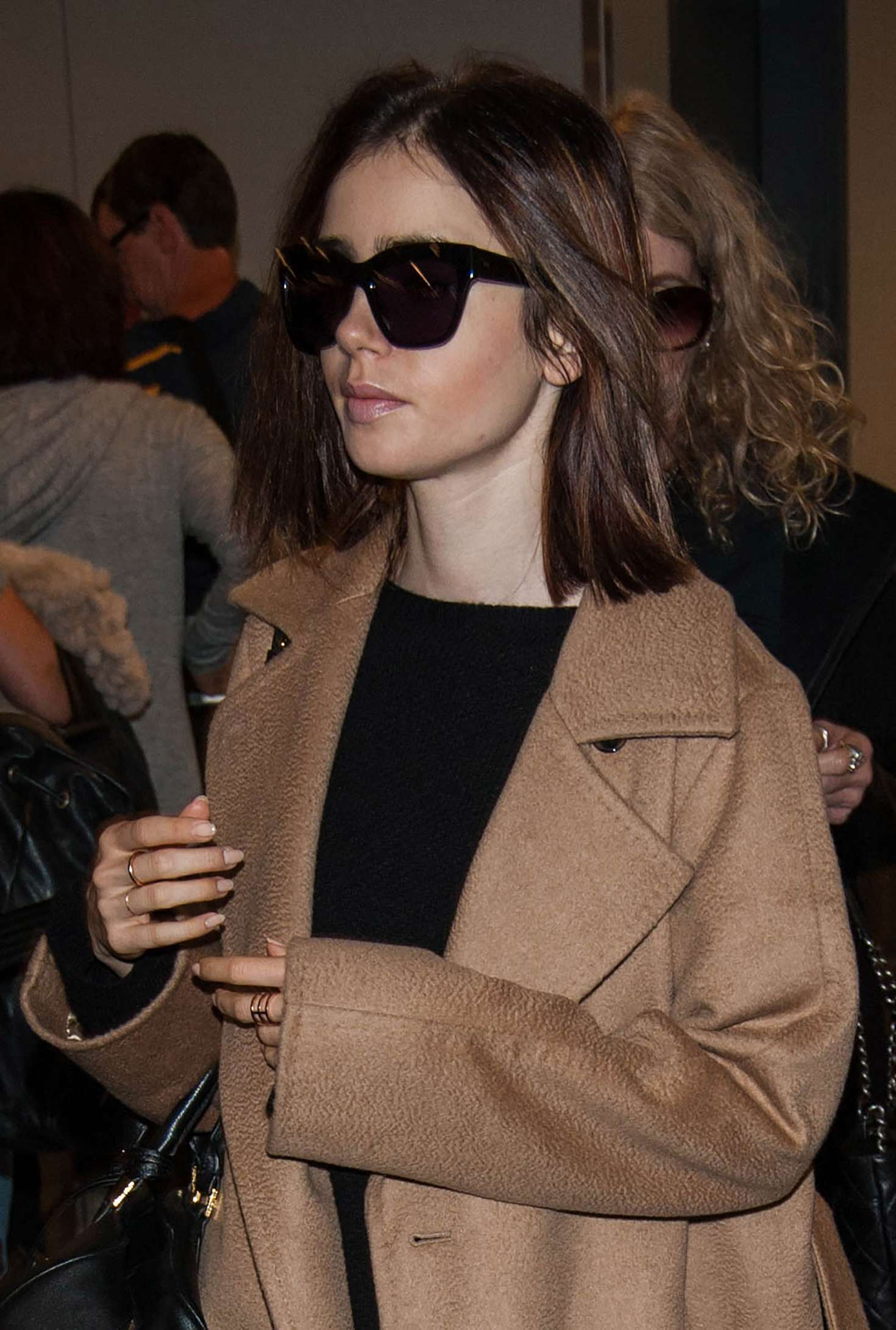Lily Collins 2016 : Lily Collins at LAX Airport -02