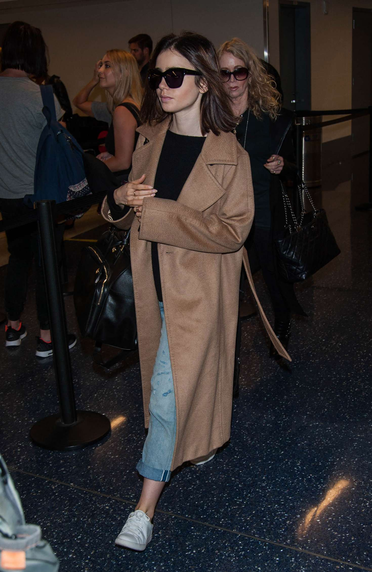 Lily Collins 2016 : Lily Collins at LAX Airport -04