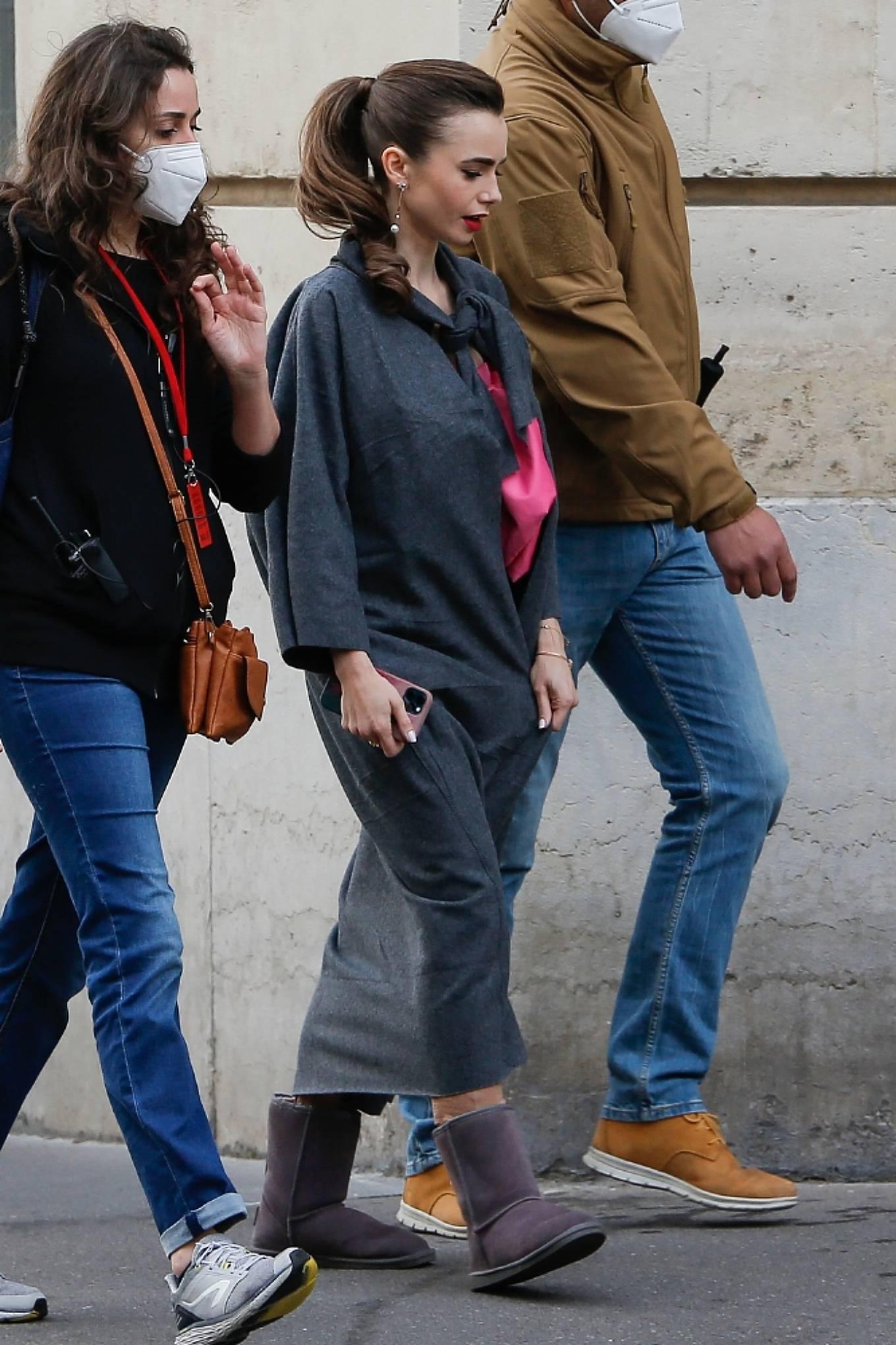 Lily Collins 2019 : Lily Collins – Emily in Paris set in Paris-04