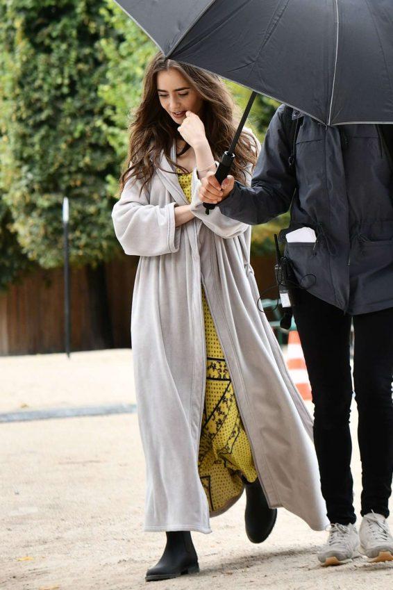 Lily Collins 2019 : Lily Collins – Emily in Paris set in Paris-06