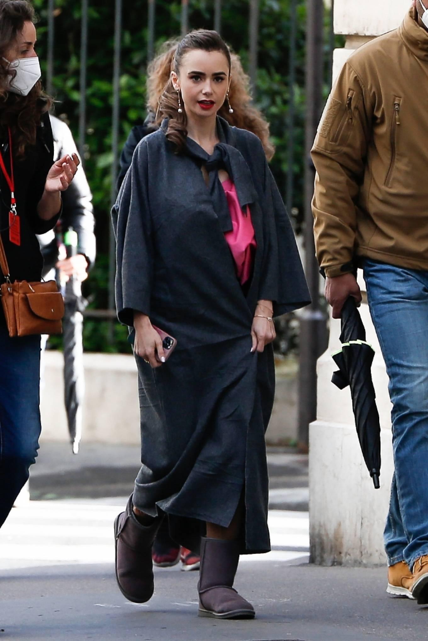 Lily Collins 2019 : Lily Collins – Emily in Paris set in Paris-09