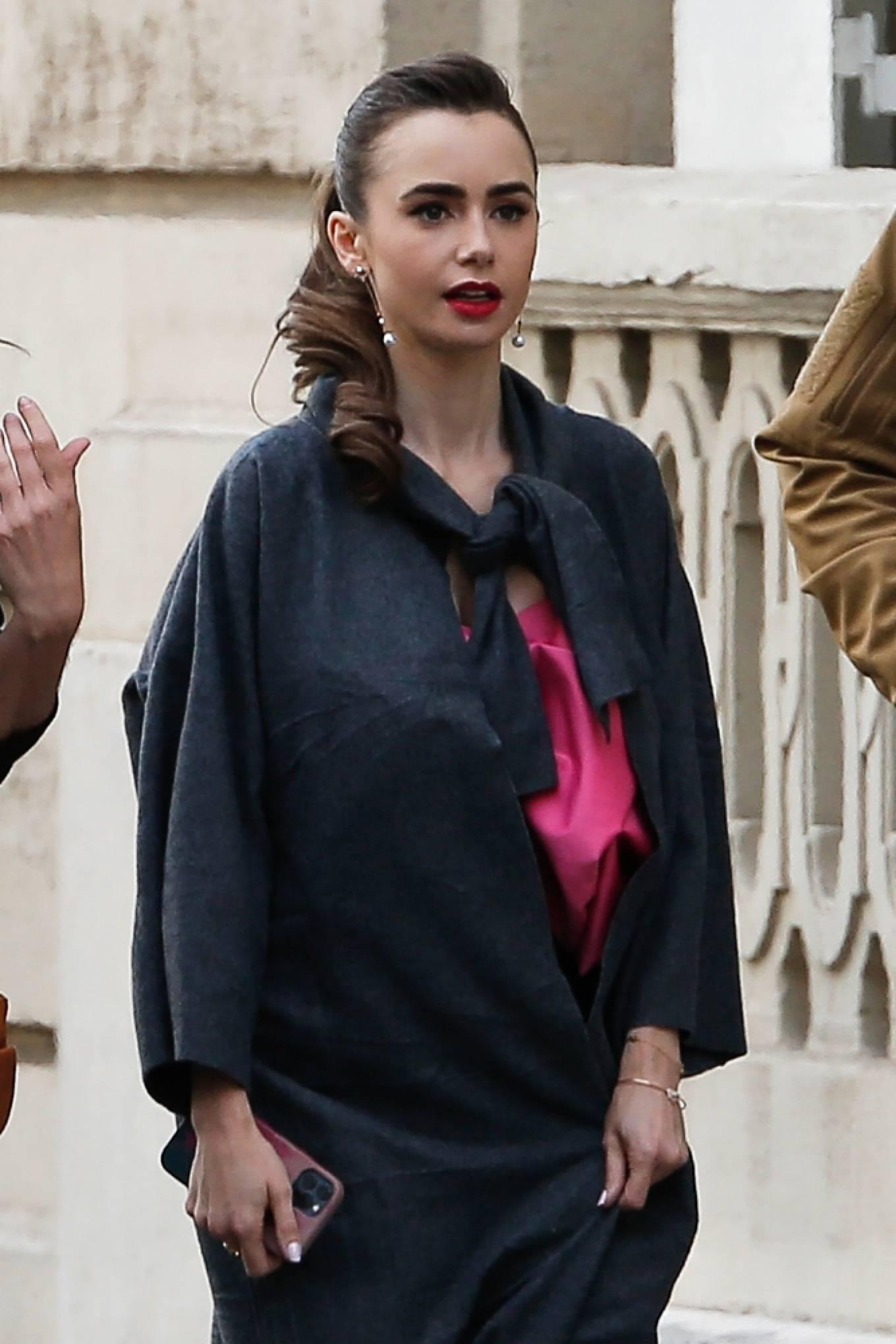 Lily Collins 2019 : Lily Collins – Emily in Paris set in Paris-11