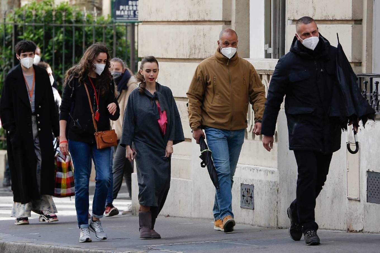 Lily Collins 2019 : Lily Collins – Emily in Paris set in Paris-12