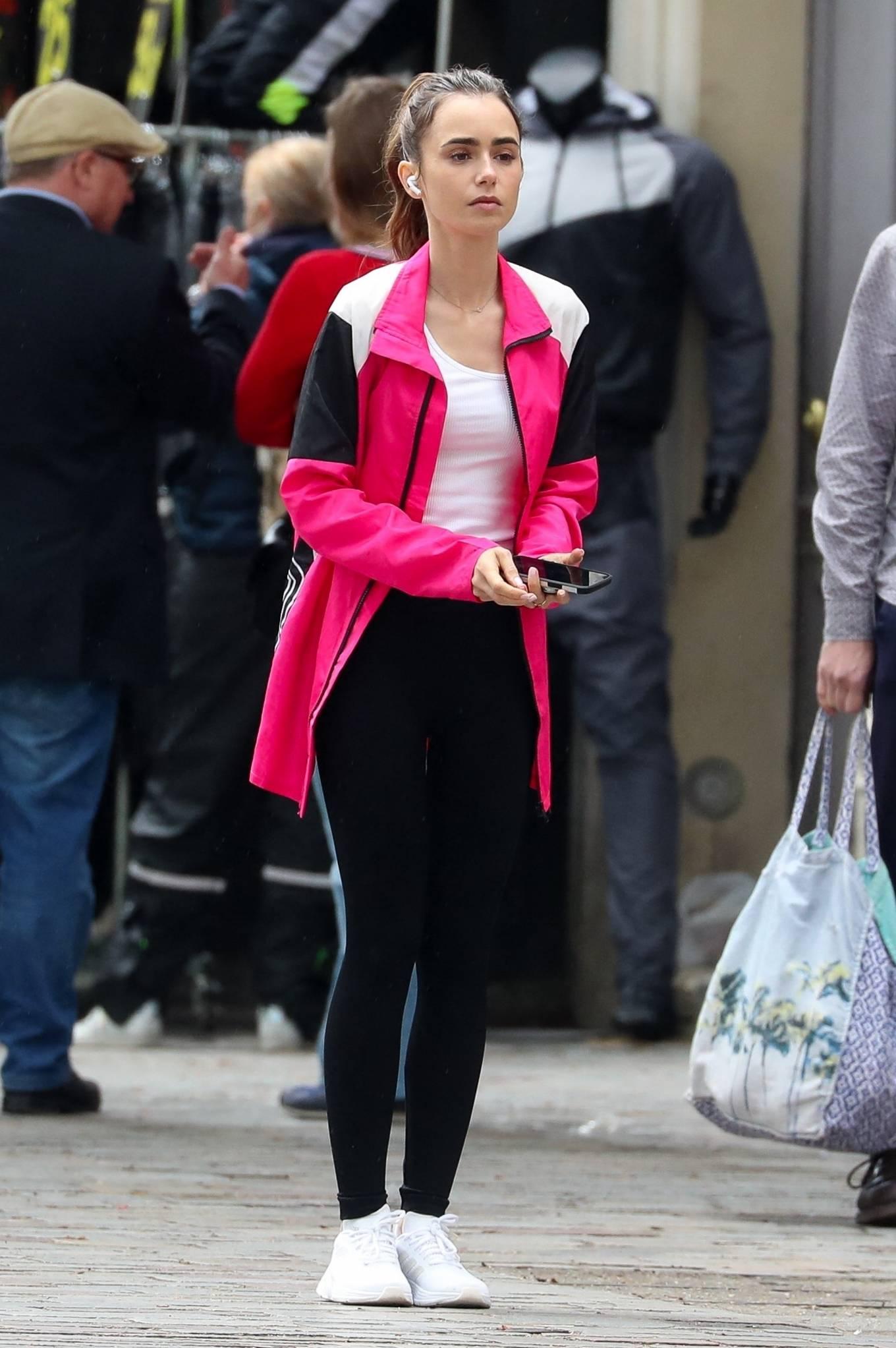Lily Collins 2021 : Lily Collins – Emily in Paris set of Paris-18