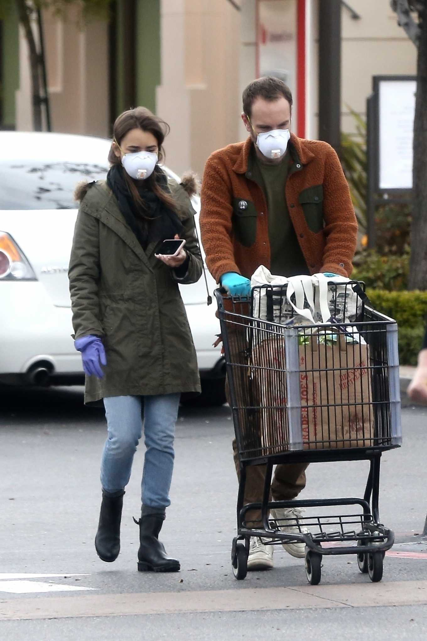 Lily Collins - Grocery run in Los Angeles