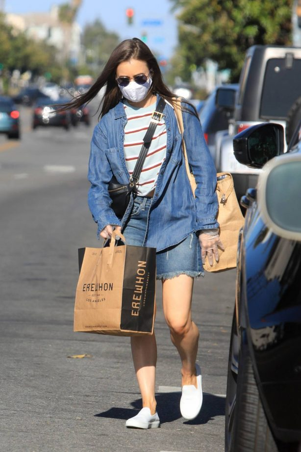 Lily Collins - Grocery shopping in LA