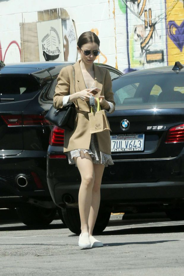Lily Collins - Leaves Mind & Body Acupuncture in Los Angeles