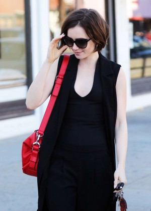 Lily Collins - Leaving Cryohealthcare in Los Angeles