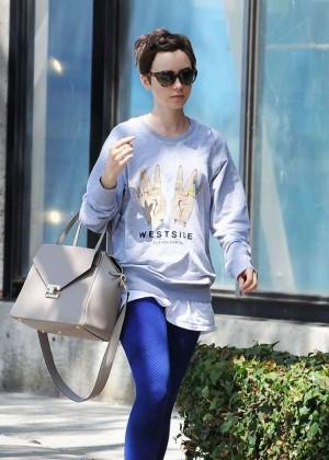 Lily Collins - Leaving CVS Pharmacy in LA