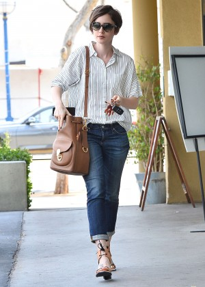 Lily Collins in Jeans -04