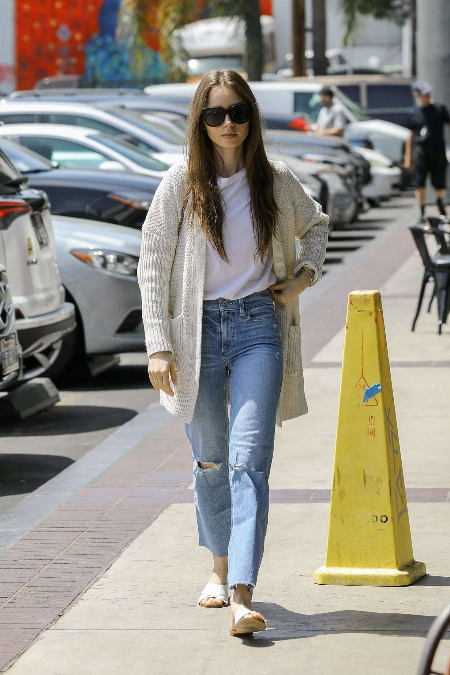 Lily Collins 2019 : Lily Collins: Out in Hollywood -01