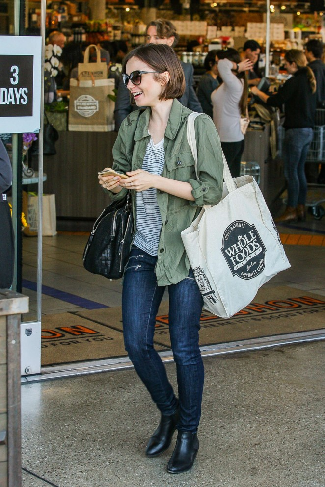 Lily Collins - Shopping at Erewhon health food store in LA