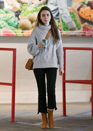 Lily Collins - Shopping at Sprouts in Los Angeles