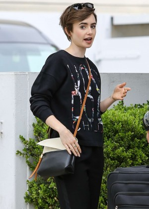 Lily Collins: Shopping in Beverly Hills -12