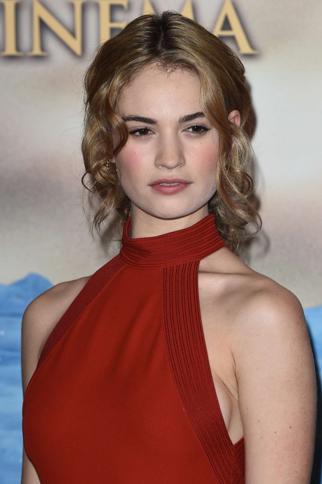 "Lily James - ""Cinderella"" Photocall in Milan"