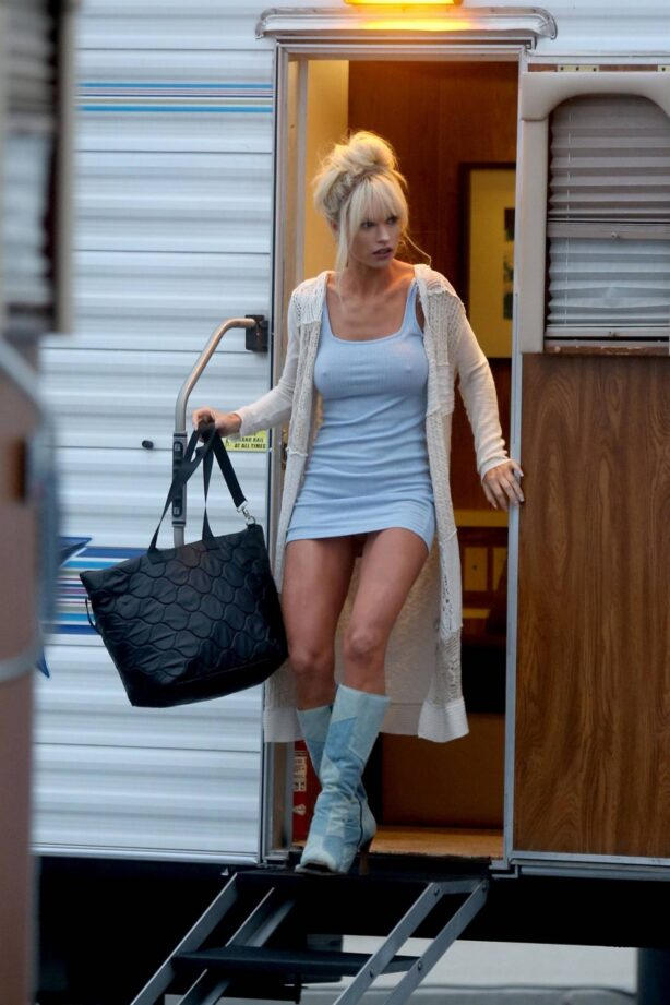 Lily James - In character as Pamela Anderson filming a scene for 'Pam and Tommy' in Malibu
