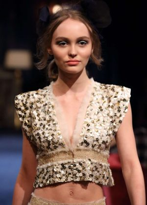 Lily Rose Depp - Chanel Metiers d'Art Collection in Tokyo