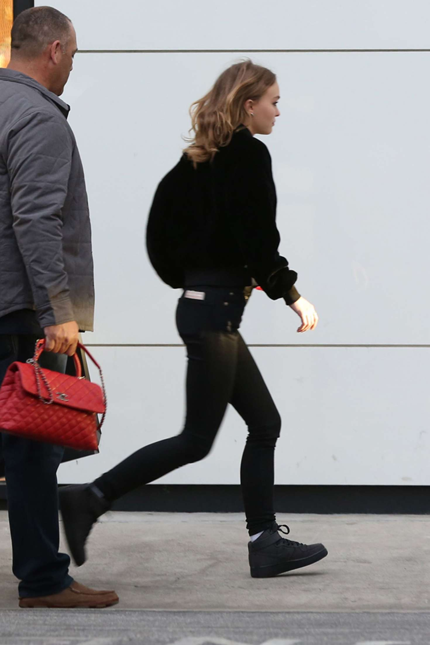 Lily rose depp leaves chanel after a shopping spree in beverly hills new foto