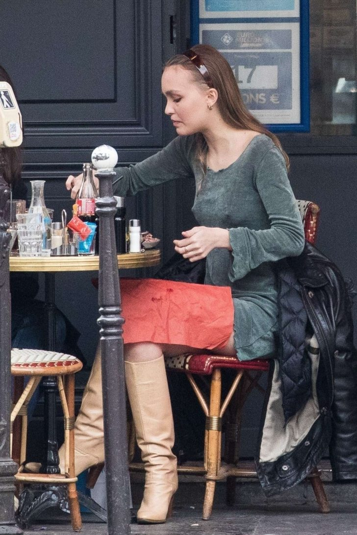 Lily Rose Depp: Out for lunch -02