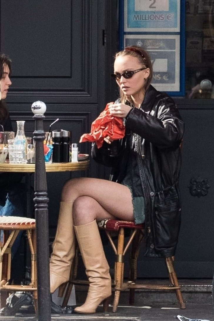 Lily Rose Depp - Out for lunch with a friend in Paris