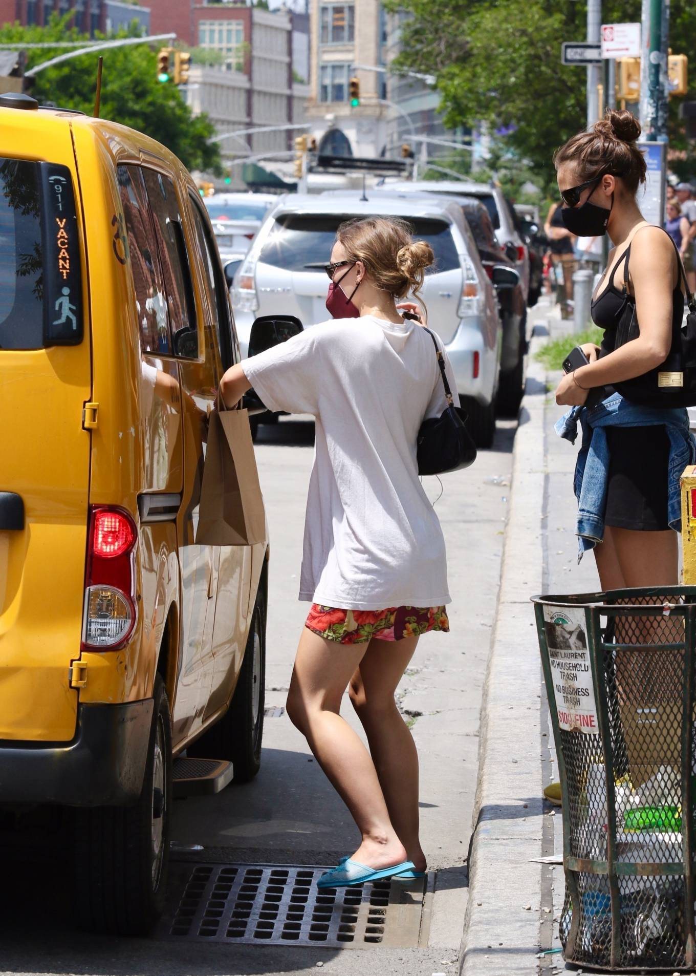 Lily-Rose Depp 2021 : Lily-Rose Depp – Shopping candids around Manhattan's East Village in New York-10