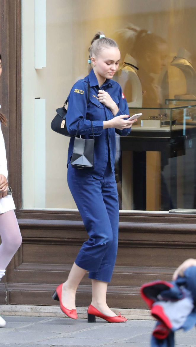 Lily-Rose Depp – Shopping Candids on Saint Honore in Paris