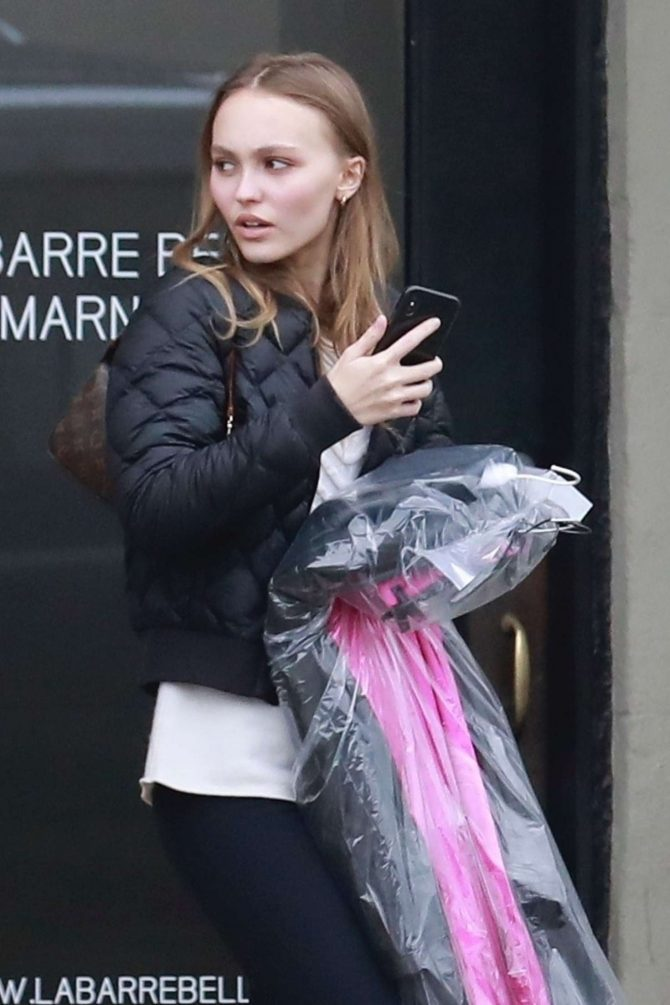 Lily Rose Depp – Shopping in Los Angeles
