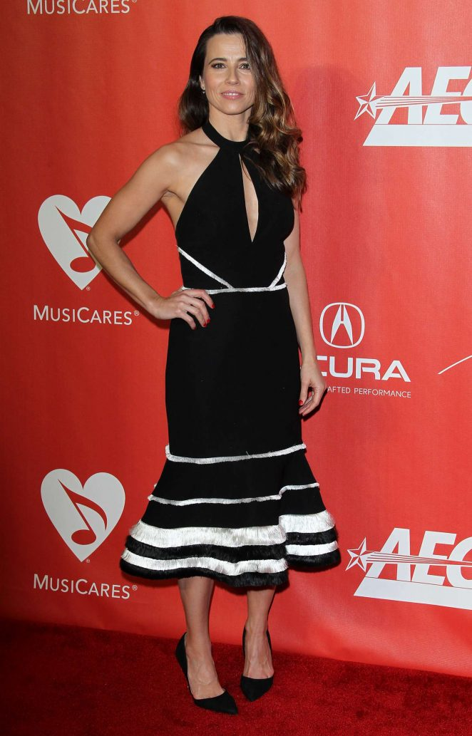 Linda Cardellini - 59th GRAMMY Awards - MusiCares Person of the Year Honoring Tom Petty in LA