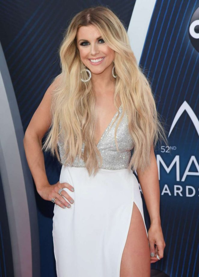 Lindsay Ell – 52nd Annual CMA Awards in Nashville