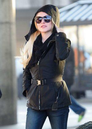 Lindsay Lohan - Arriving at JFK Airport in New York