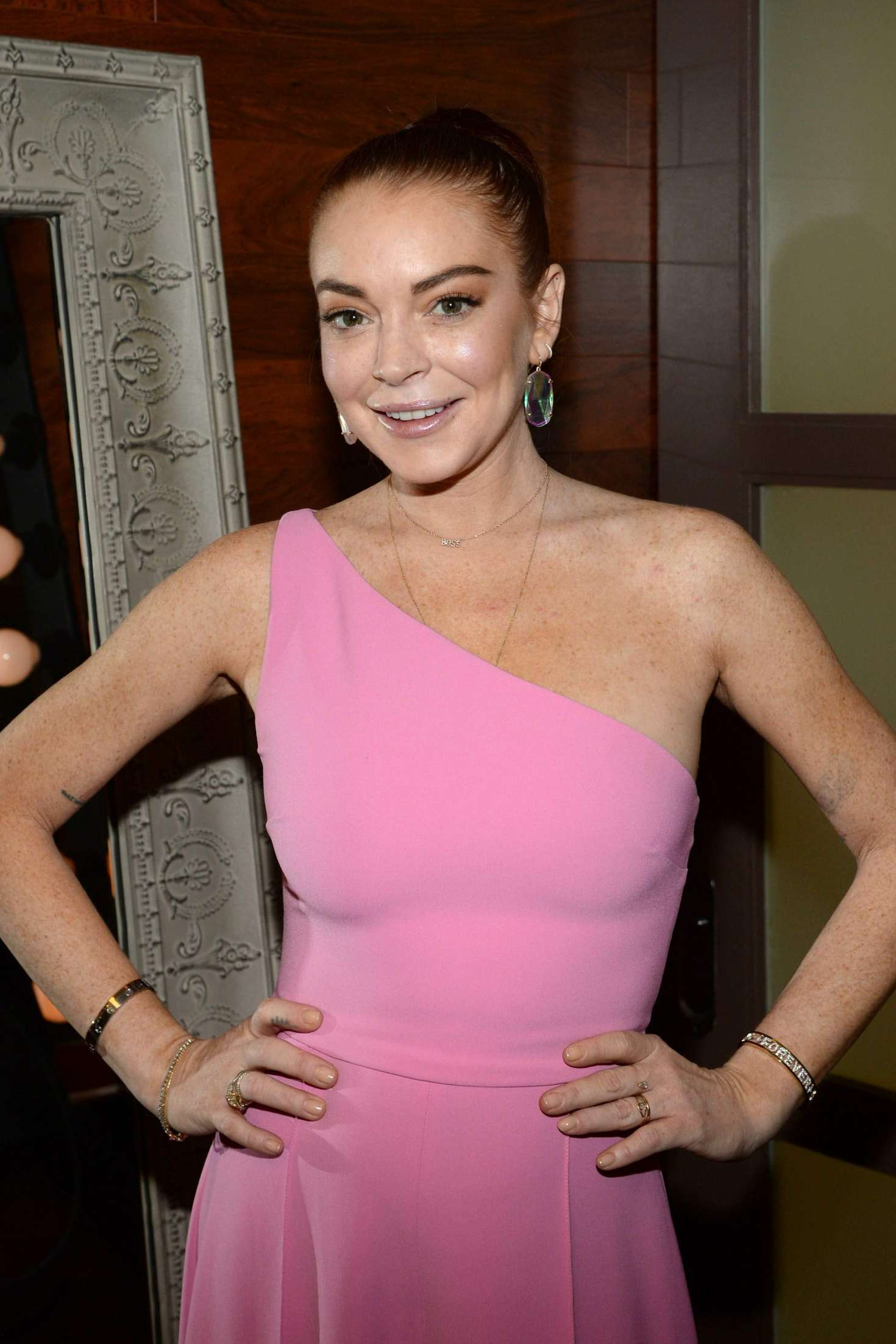 Lindsay Lohan - Backstage at the Rachael Ray Show in New York City