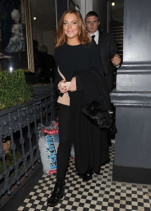 Lindsay Lohan eNight out in Mayfair -10