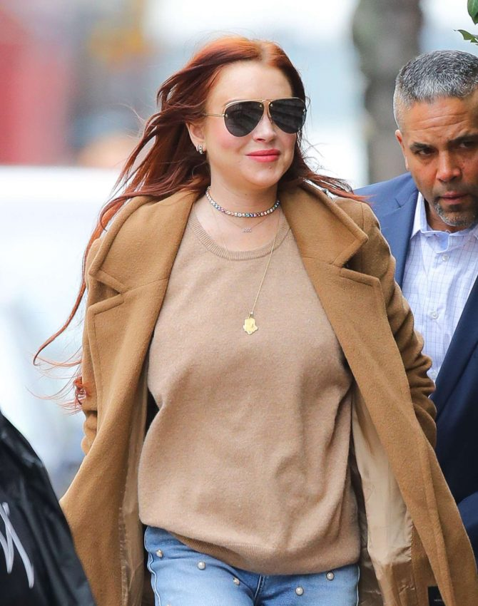 Lindsay Lohan 2019 : Lindsay Lohan: Leaves her apartment -02
