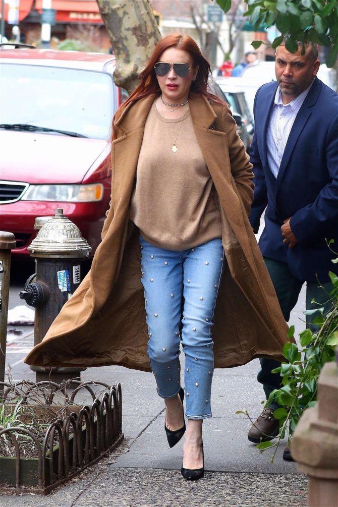 Lindsay Lohan: Leaves her apartment -03