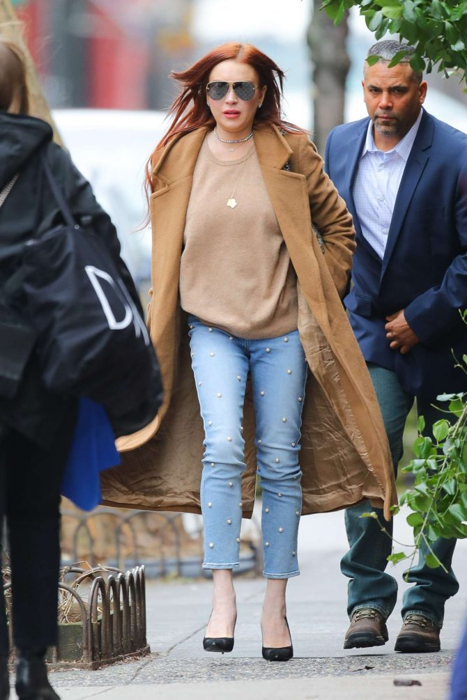 Lindsay Lohan 2019 : Lindsay Lohan: Leaves her apartment -05
