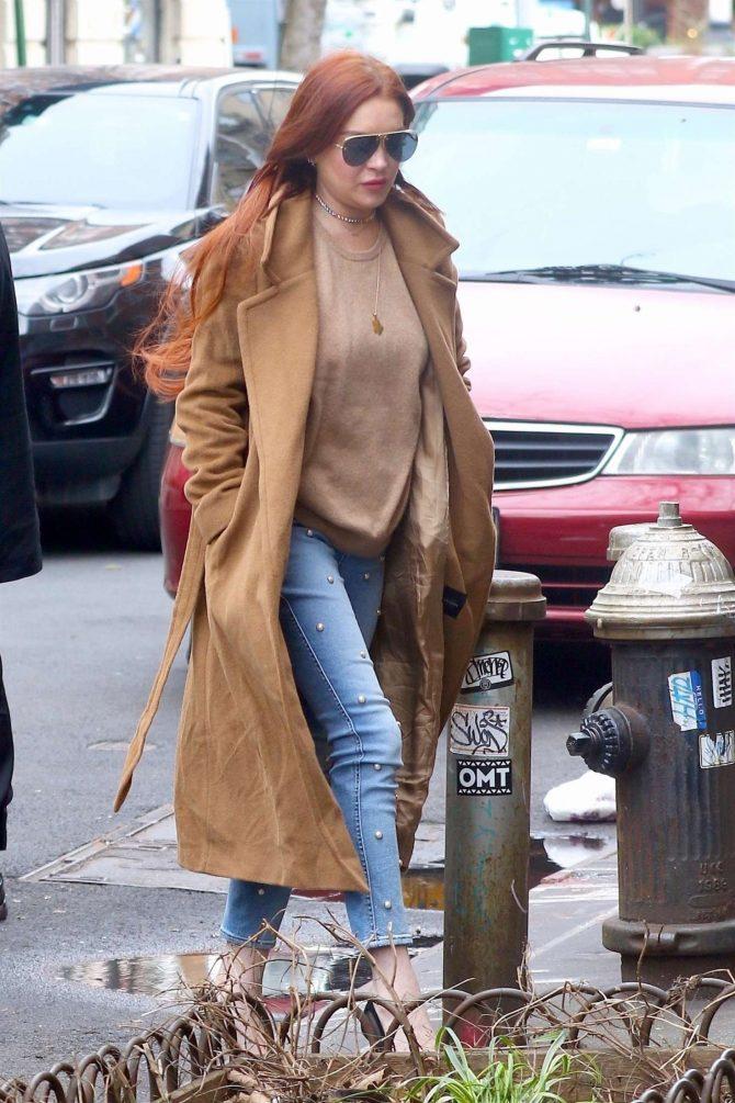 Lindsay Lohan: Leaves her apartment -10